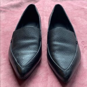 Marc Fisher LTDLeather Point Toe Loafer. Size 7.